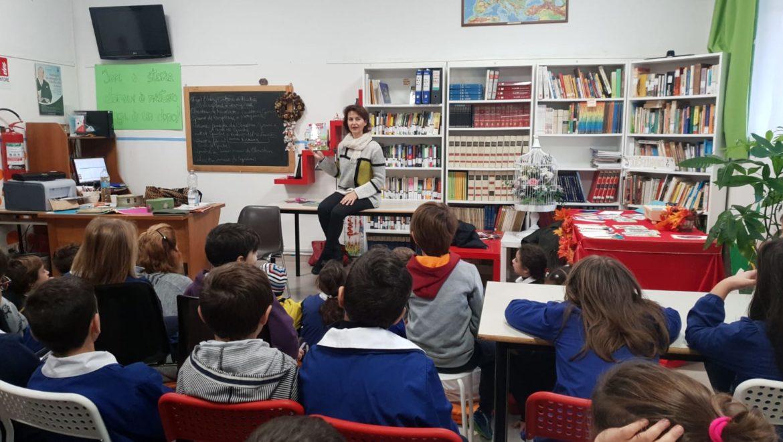 """Libri: la festa ricomincia alla biblioteca scolastica""""Lara Magrelli"""""""
